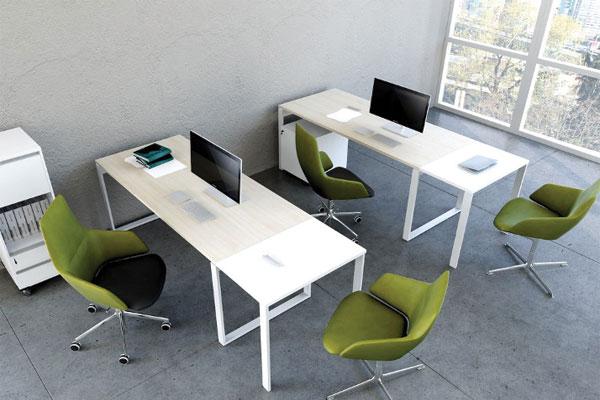 Bàn làm việc chân sắt cho Thiết kế văn phòng 50m2