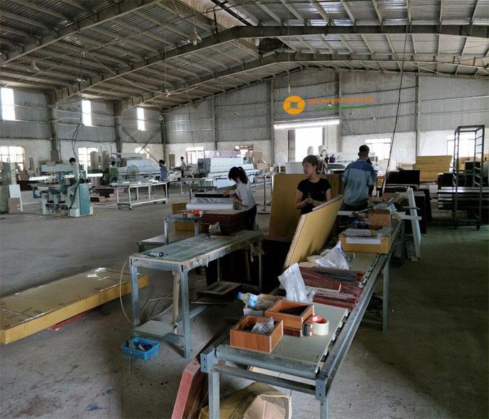 Phân xưởng gỗ và cắt