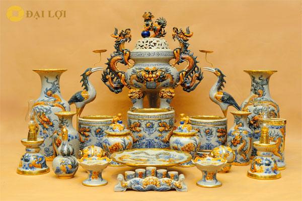 Bộ đồ thờ gốm sứ đầy đủ của Bát Tràng sản xuất