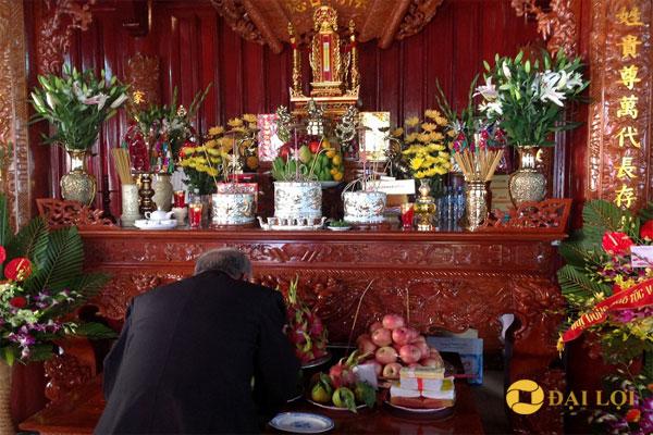 Đồ thờ người việt nam, Bàn thờ là nơi con cháu thể hiện lòng kính yêu và tưởng nhớ đến tổ tiên