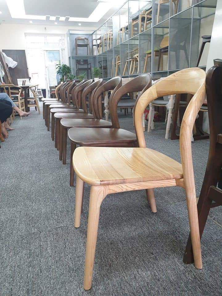 Mẫu 8: Ghế gỗ sồi cafe