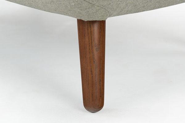 Chân sofa làm từ gỗ sồi