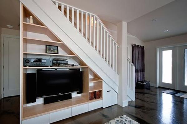 Tủ tivi cầu thang
