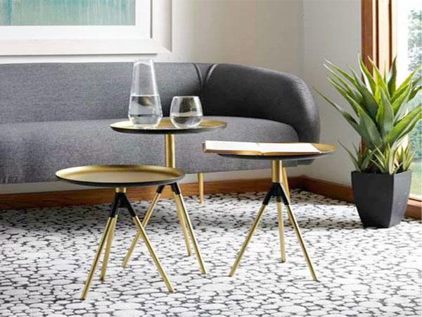 Bàn sofa vàng đen