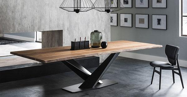 Chân bàn Stratos có thể kết hợp với mặt gỗ vô cùng sang trọng và hiện đại