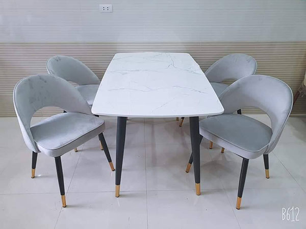 Bộ Bàn Ăn Mặt Đá 4 ghế Saarinen