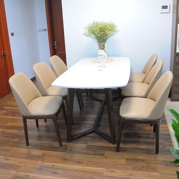 Bộ bàn ăn 6 ghế Mặt đá Được làm từ chất liệu gỗ tần bì chống mối mọt và cong vênh