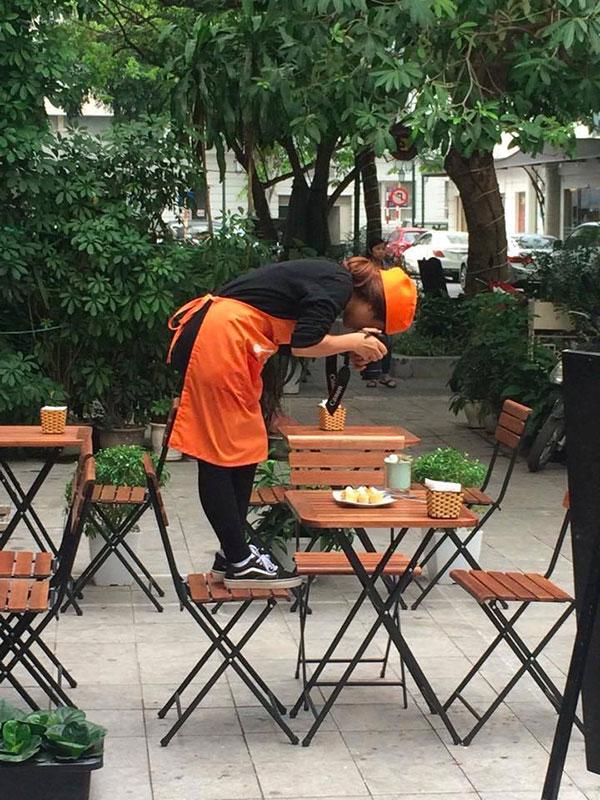 Bộ Bàn Ghế Fansipan được dùng cho các quán cafe ngoài trời
