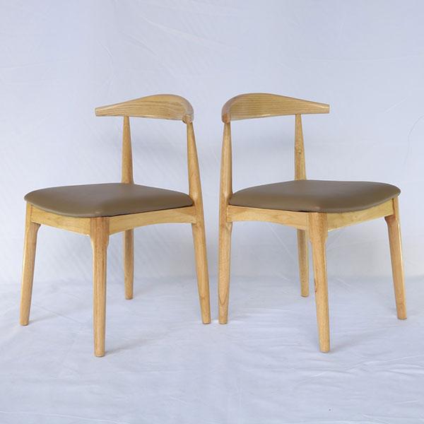 Ghế Elbow được làm từ gỗ cao su đã qua tẩm sấy chống mối mọt