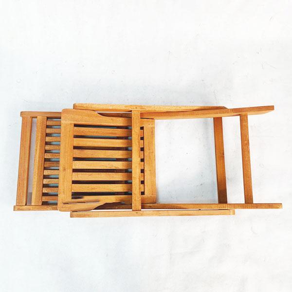 Ghế được gấp gọn rất tiện dụng