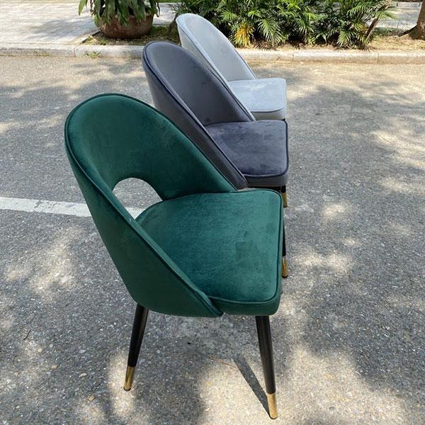 Ghế Saarinen có thể được dùng làm ghế ăn, ghế tiếp khách, ghế spa...