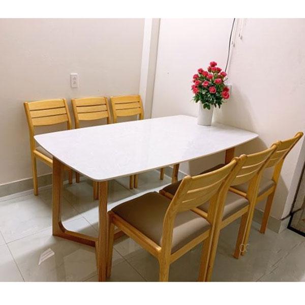 Bàn ăn mặt đá dùng cho 6 người có kích thước từ 160-200cm tùy loại ghế