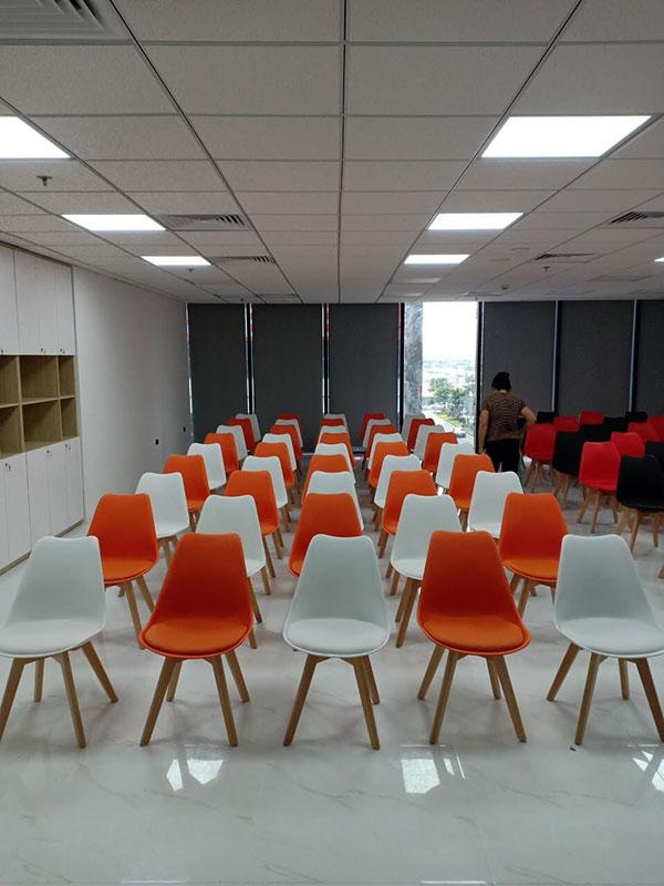 Revew của khách mua 100 ghế Eames bọc đệm tại Nội Thất Đại Lợi