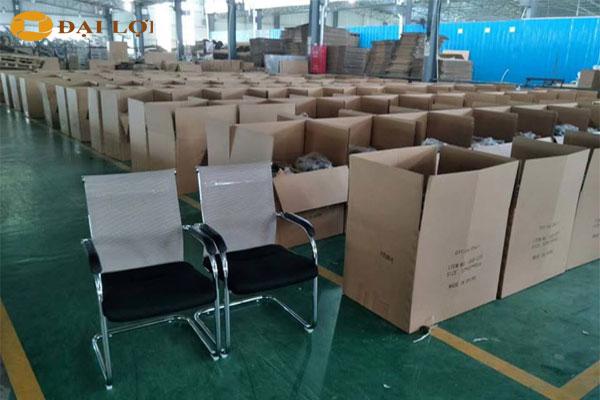 Kho hàng ghế của nội thất Đại Lợi
