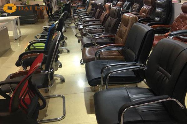 Showroom trưng bày ghế -  Nội Thất Đại Lợi