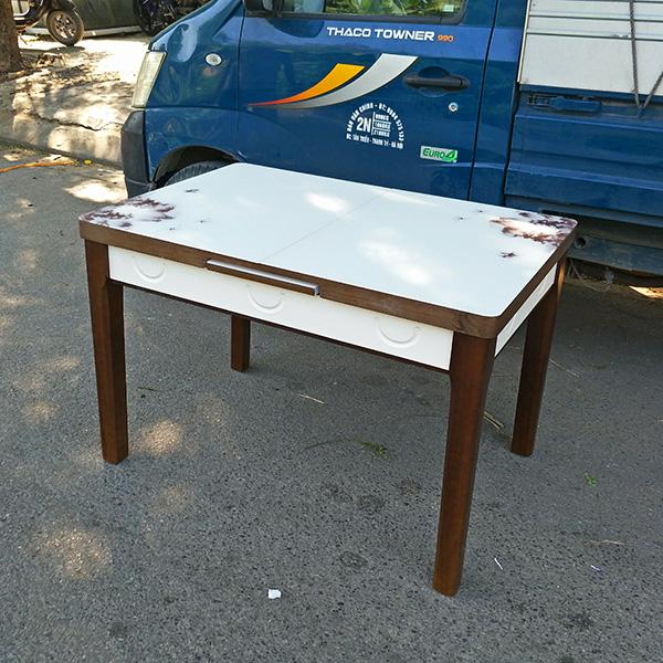 Kích thước mặt bàn khi được thu gọn : 75x110cm