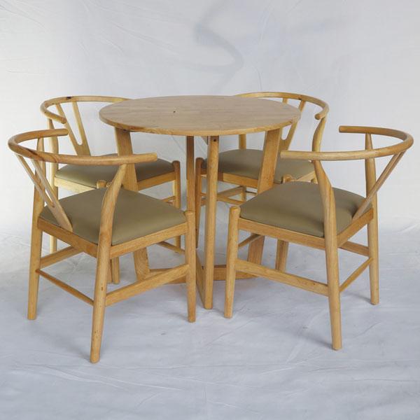 Bàn kết hợp với 4 ghế Wishbone
