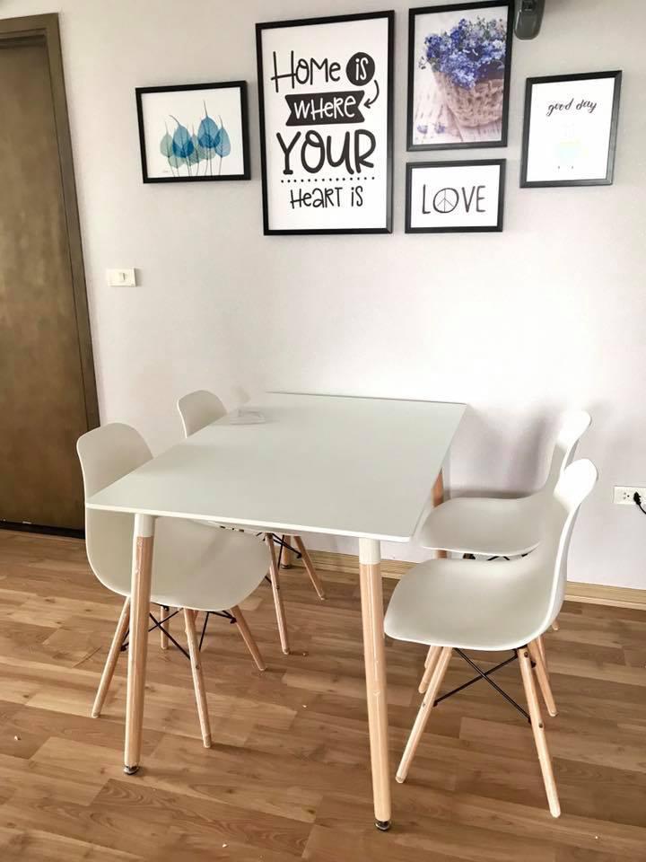 Bộ bàn Eames màu trắng hình chữ nhật kết cấu chân gỗ khá chắc chắn cao 74cm