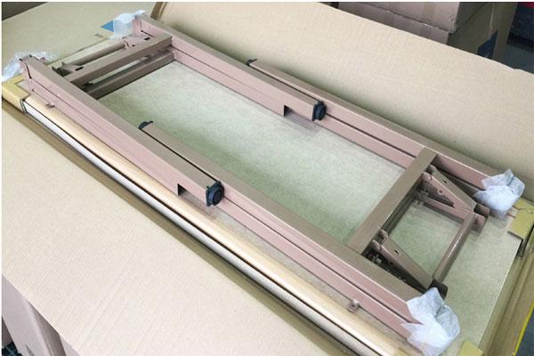 Bàn gấp gọn chân sắt DL02 dễ dàng gấp gọn được ưa chuộng vì tiện lợi dễ di chuyển
