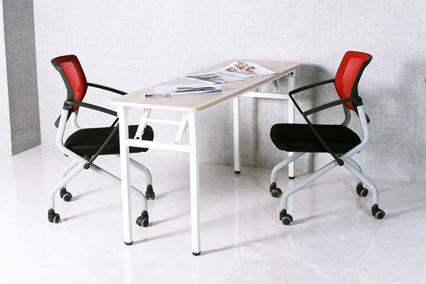 Ảnh thực tế sản phẩm bàn gấp gọn chân sắt DL02 màu ghi kết hợp với ghế xoay