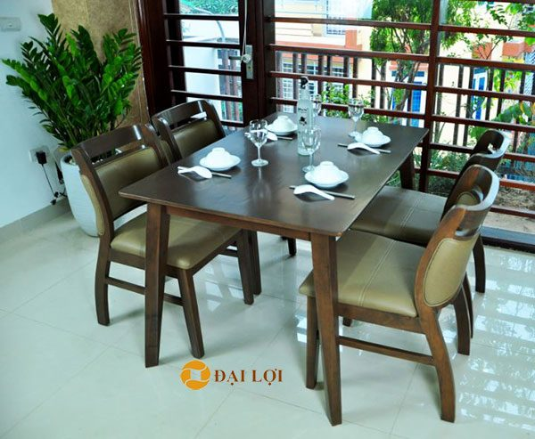 Bộ bàn ghế ăn gỗ cao su Ashley màu nâu