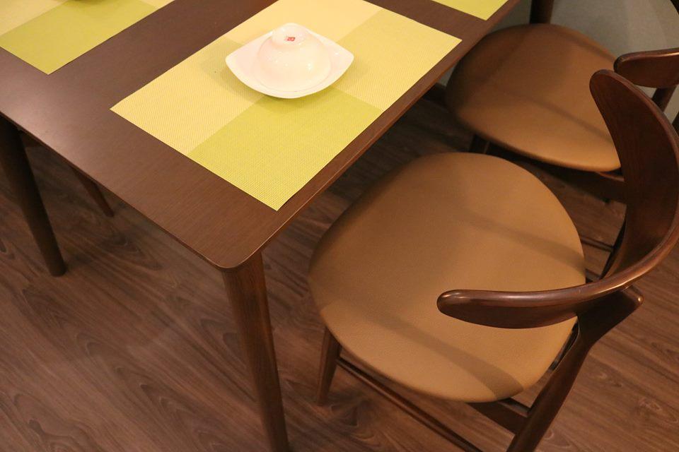 ghế ăn hiện đại Lunar 4 ghế màu Nâu