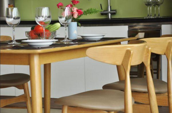 Bộ bàn ghế ăn hiện đại Lunar 4 ghế màu vàng