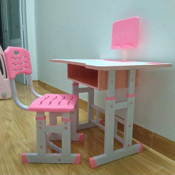 bàn ghế ngồi học cho bé gái