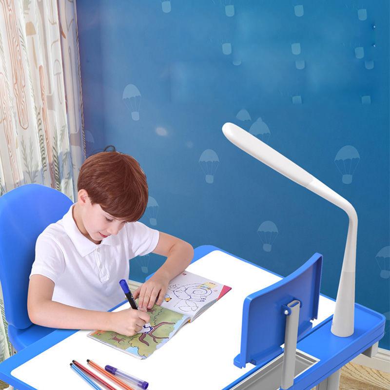 Bàn học thông minh giúp bé khỏe mạnh và thoải mái học tập