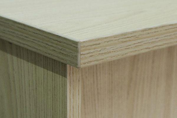Chi tiết dán cạnh và chất liệu bàn làm việc 1m