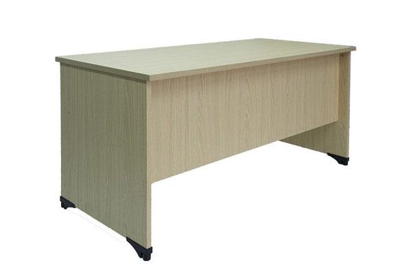Bàn 1m dễ kết hợp với không gian nội thất của văn phòng