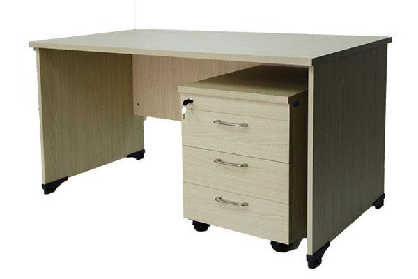 Bàn làm việc 1m2 AT120 thiết kế theo vân gỗ sồi, kiểu dáng đơn giản dễ kết hợp với không gian nội thất văn phòng
