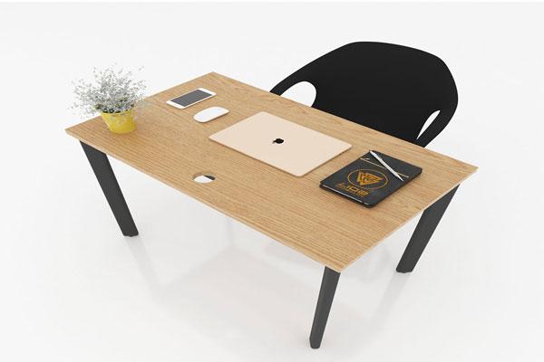 Mặt bàn thiết kế trơn, có khoan lỗ luồn dây