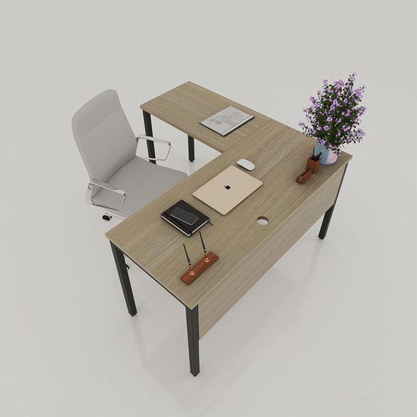 Bàn làm việc chữ L chân sắt với kiểu dáng hiện đại dễ dàng kết hợp với các loại ghế văn phòng