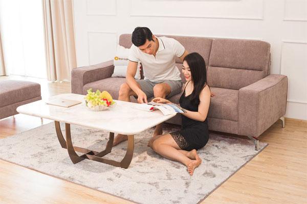 Bàn trà mặt đá cẩm thạch nhân tạo tô thêm nét đẹp cho không gian phòng khách