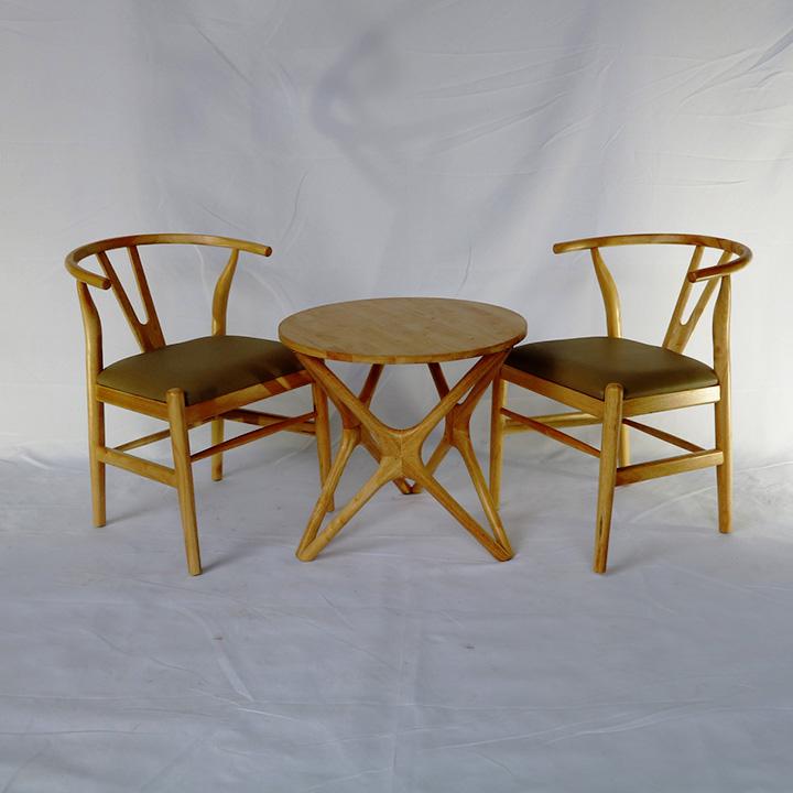 Bàn chân sao kết hợp ghế Wishbone