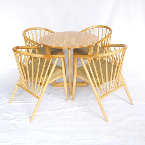 Bộ bàn 4 ghế Winding có thể dùng làm bàn ăn hoặc bàn ghế cafe