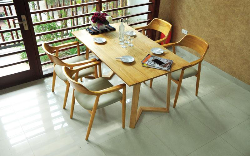 Mẫu số 9 - Bộ bàn ăn Emma thiết kế hiện đại tinh tế, nhiều màu sắc lựa chọn chắc chắn sẽ là điểm nhấn mạnh mẽ trong phòng bếp của bạn