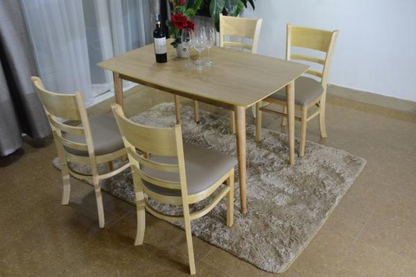 bàn ghế ăn Mostar gỗ tự nhiên