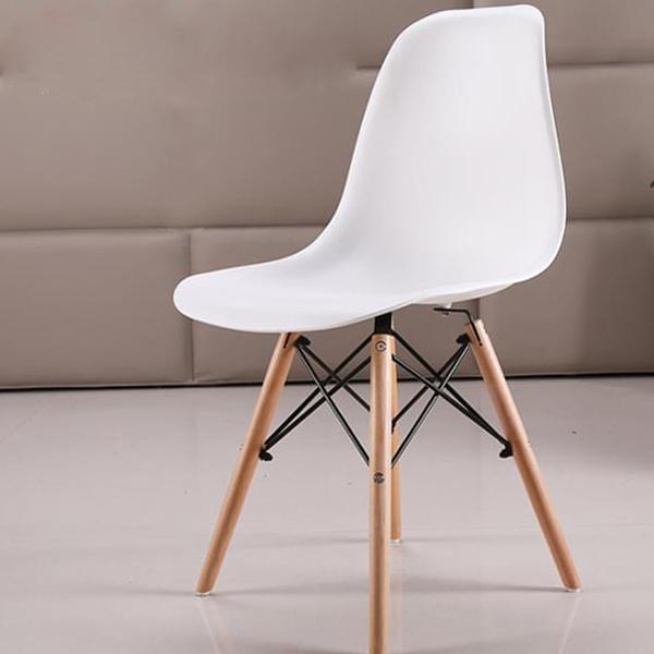 Ghế eames màu trắng mang vẻ đẹp hiện đại, sang trọng