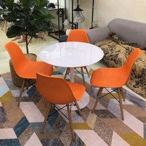 Bộ bàn Tulip 80cm và 4 ghế Eames màu cam