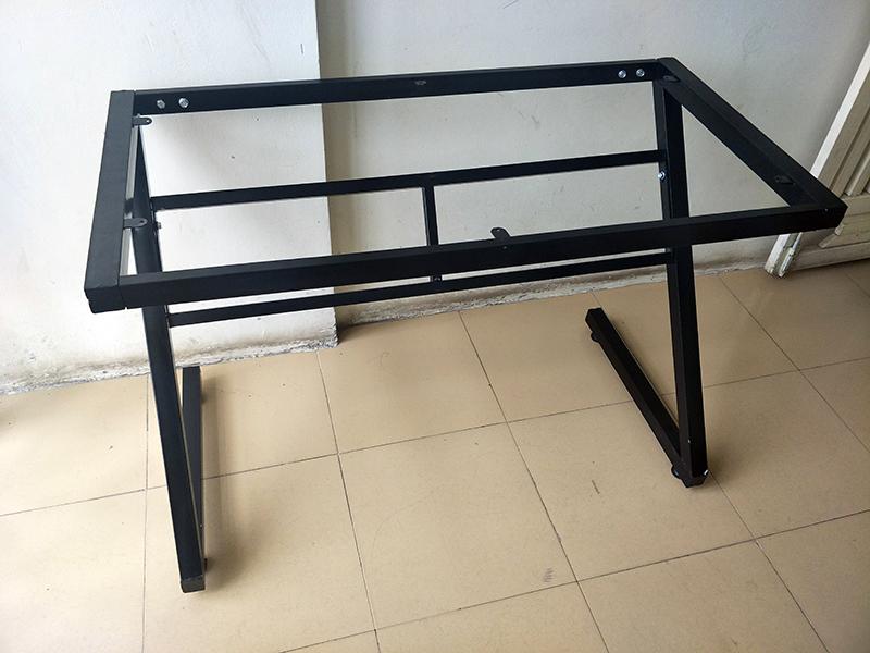 Chân bàn sắt sơn tĩnh điện chữ Z