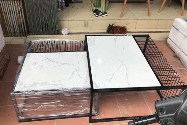 mẫu chân bàn sofa vuông mặt đá