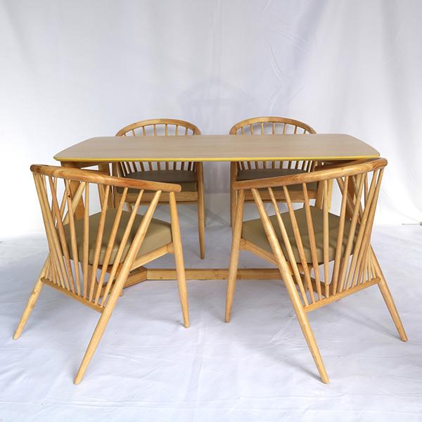 Bảo hành 1 năm cho khách mua Bộ bàn ăn 4 ghế Winding tại Nội Thất Đại Lợi
