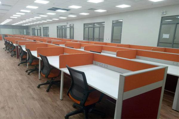 Thiết kế văn phòng màu cam tạo điểm nhấn mạnh mẽ cho doanh nghiệp