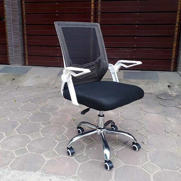 ghế dùng chân thép chắc chắn