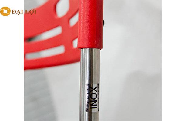 Khung ghế G30I làm từ Inox tạo cho ghế sang trọng và khung ghế chắc chắn
