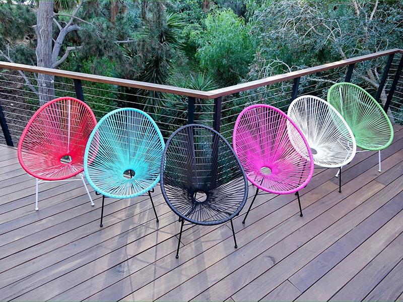 Ghế Acapulco với đầy đủ màu sắc