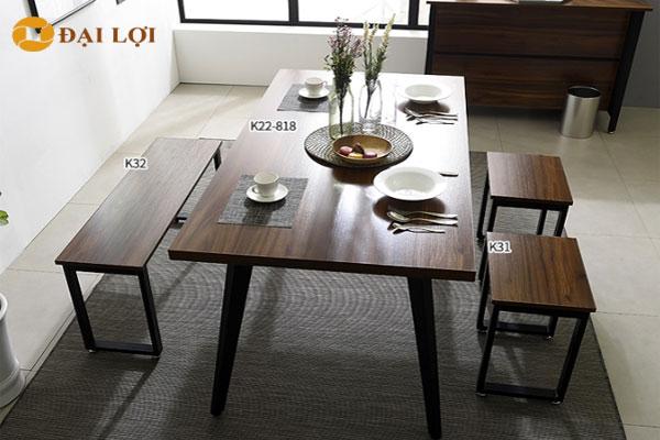 Bộ bàn ghế ăn kết hợp giữa ghế đôn dài và ghế đôn vuông nhỏ