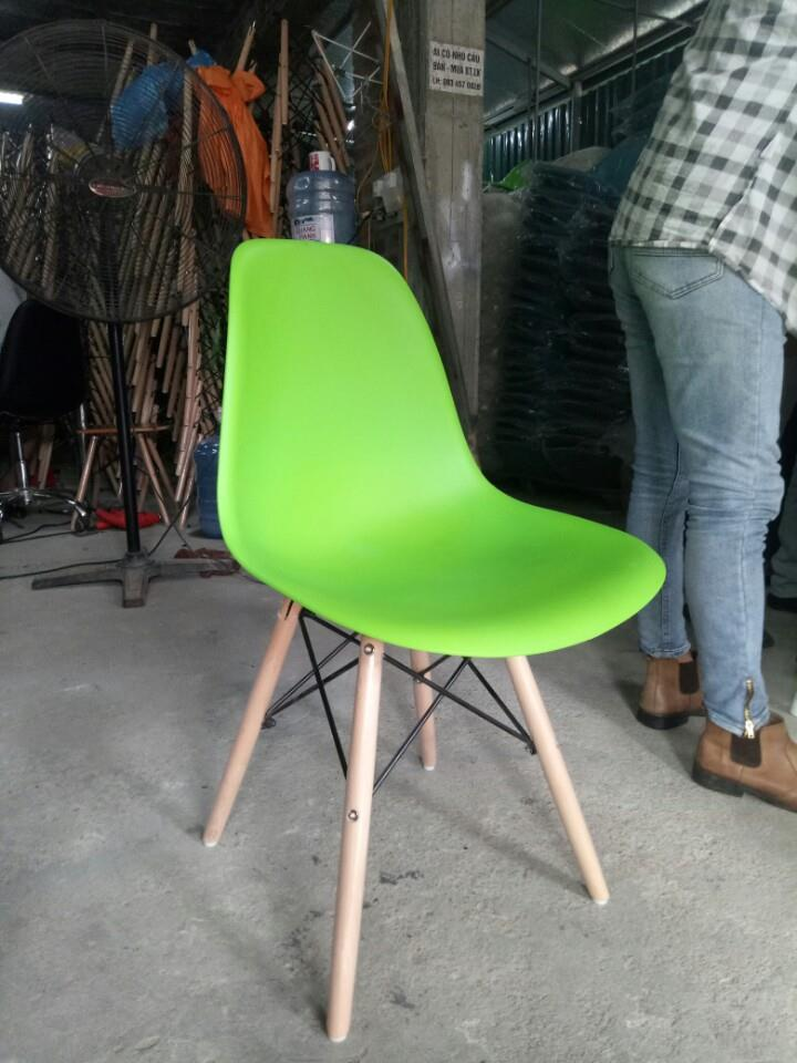 Giao ghế nhựa tại kho